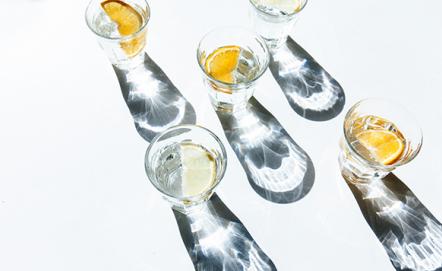 Kieliszki do likieru – jak wybrać?