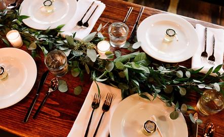 Dekoracje stołu weselnego – trendy 2019