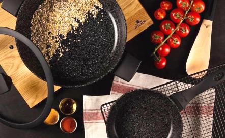 Garnki ceramiczne – czy warto mieć je w kuchni?