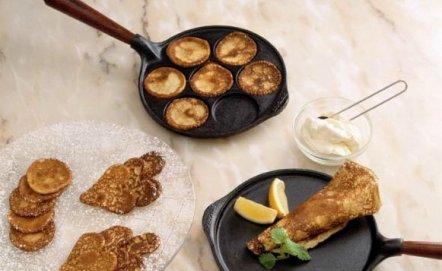 Patelnie do jajek, ryb lub naleśników – czy warto mieć je w kuchni?
