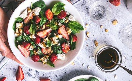 Szybkie i lekkie obiady na upalne dni. Poznaj kilka sprawdzonych przepisów