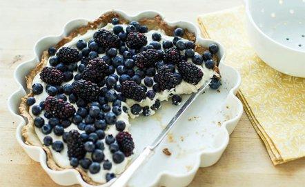 Przepis na tartę z letnimi owocami